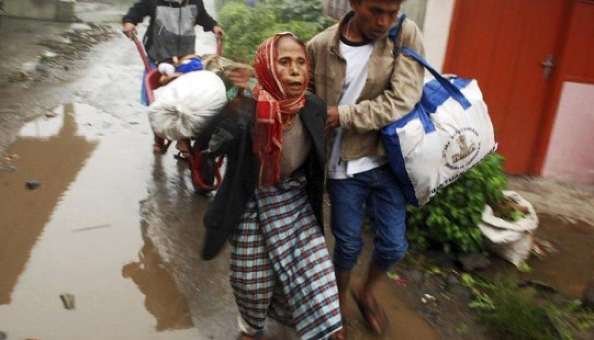 th_1cce678baa2865fe866ba90e481edd63_evacuados